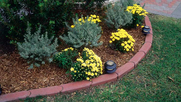 Pavestone Creating Beautiful Landscapes With Pavers Edgers Walls