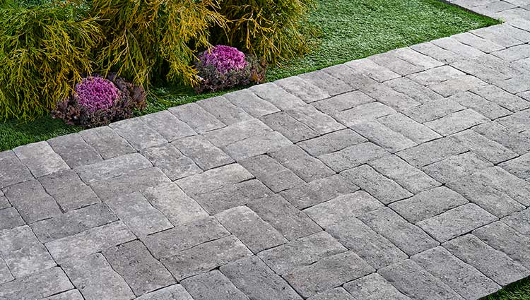 Pavestone Creating Beautiful Landscapes With Pavers Edgers Walls And More